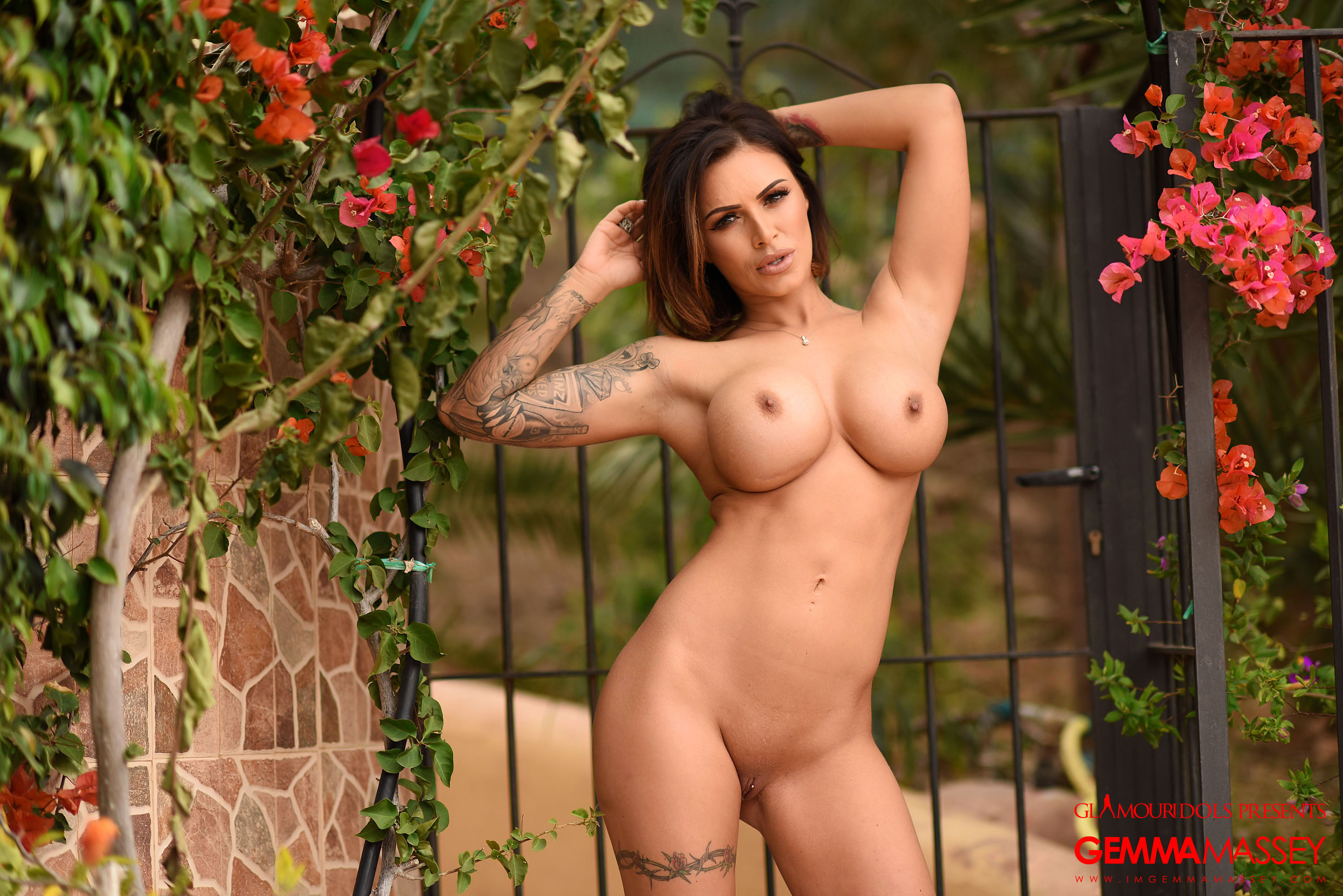 Gemma Massey gets naked outdoors